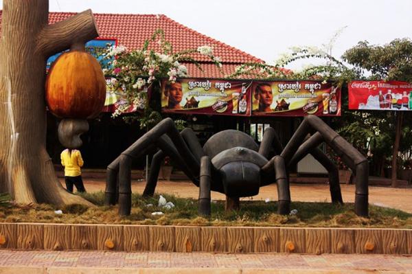 Тарантул входит в семейство пауков